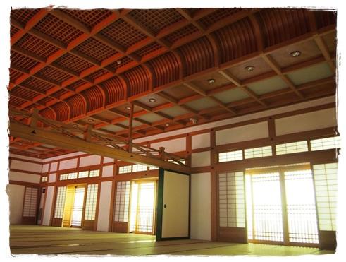 鎌倉のお寺でヨガ